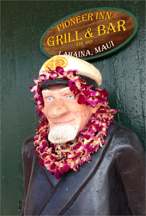 D - Close up Captain Lahaina Maui Hawaii - Photo G-Paz-y-Mino-C 2015