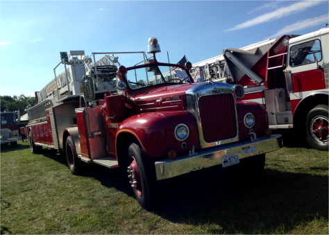 J - Fire Trucks Classics - Portsmouth - Photo G-Paz-y-Mino-C 2015