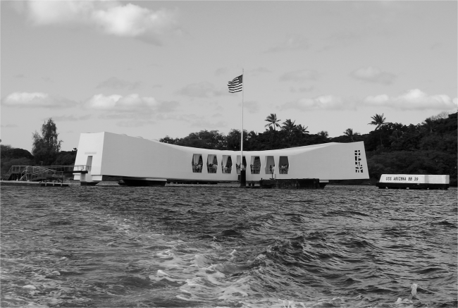 USS Arizona Memorial Pearl Harbor Hawaii - Photo G-Paz-y-Mino-C 2016