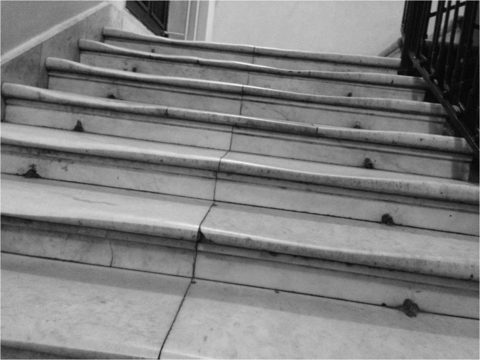 Marble stairs at the Russian State Library - Photo G-Paz-y-Mino-C 2016