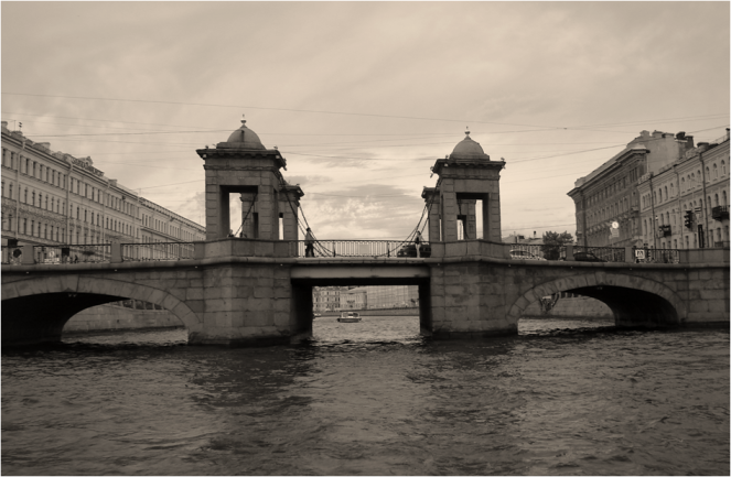 Meet me at the bridge St Petersburg - Photo G-Paz-y-Mino-C 2016