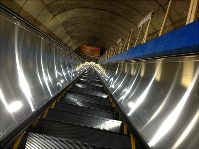New Escalators Washington DC - Photo G-Paz-y-Mino-C 2016