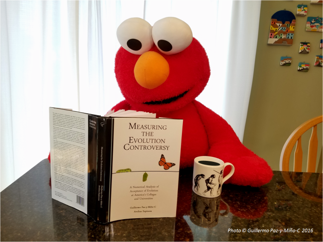 elmo-measuring-the-evolution-controversy-photo-g-paz-y-mino-c-2016